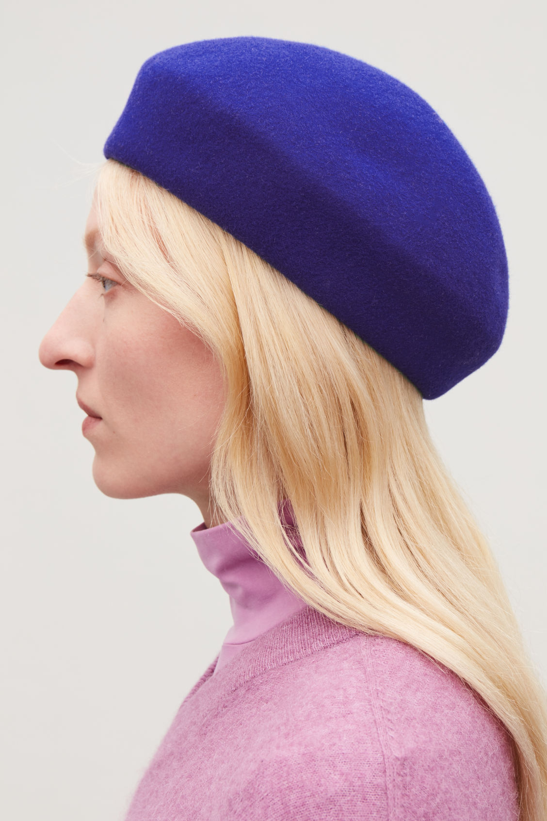 Detailed image of Cos felt-wool beret in blue 5928b2b9138