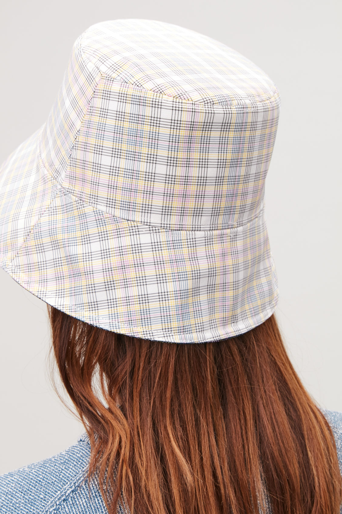 REVERSIBLE WAXED BUCKET HAT - Ivory   green - Hats Scarves and ... 19467534ff1f