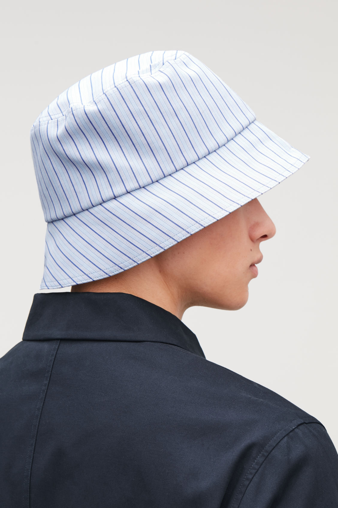 STRIPED BUCKET HAT - Fresh sky - Hats Scarves and Gloves - COS 1549989c896