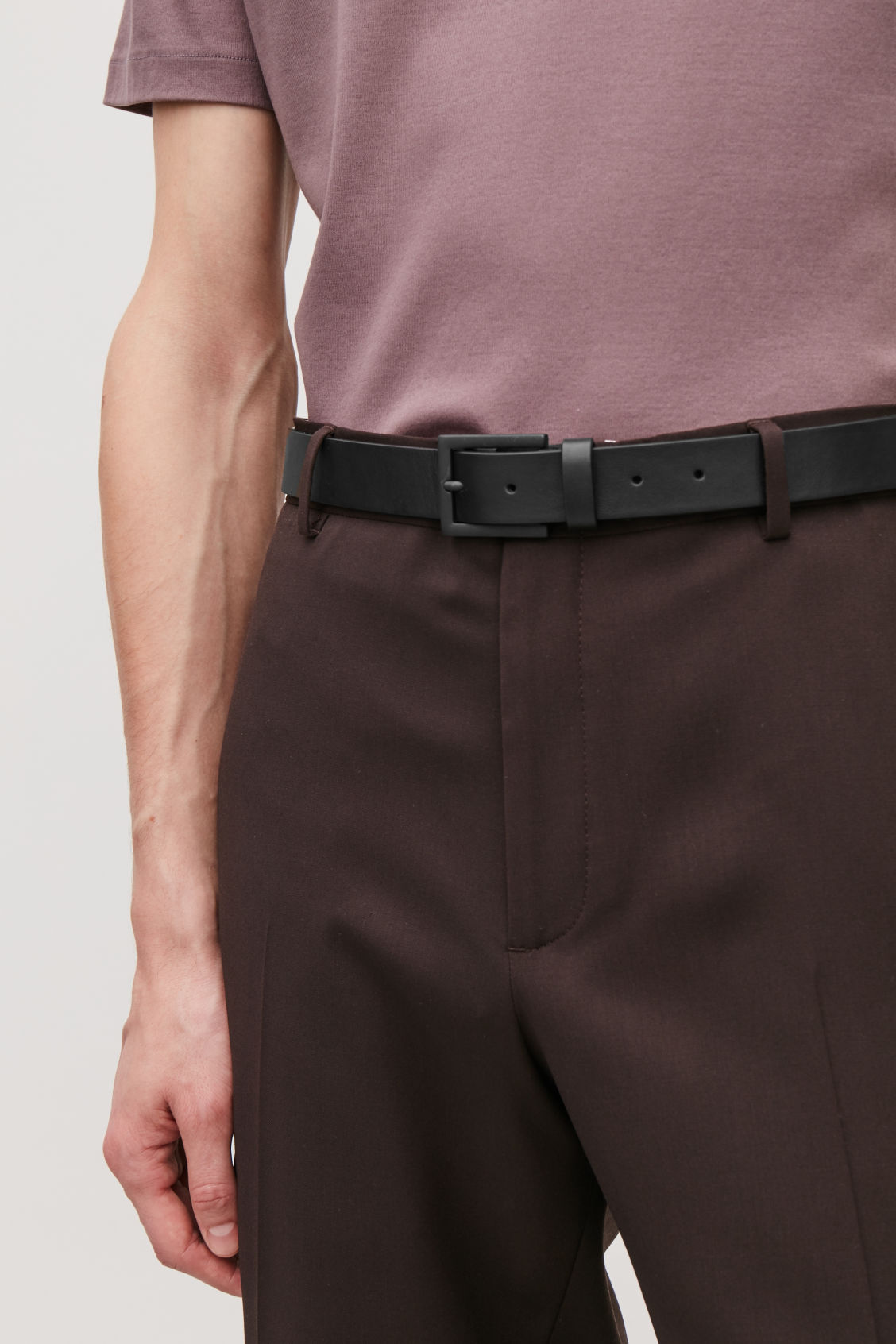 Detailed image of Cos leather belt with matte buckle  in black