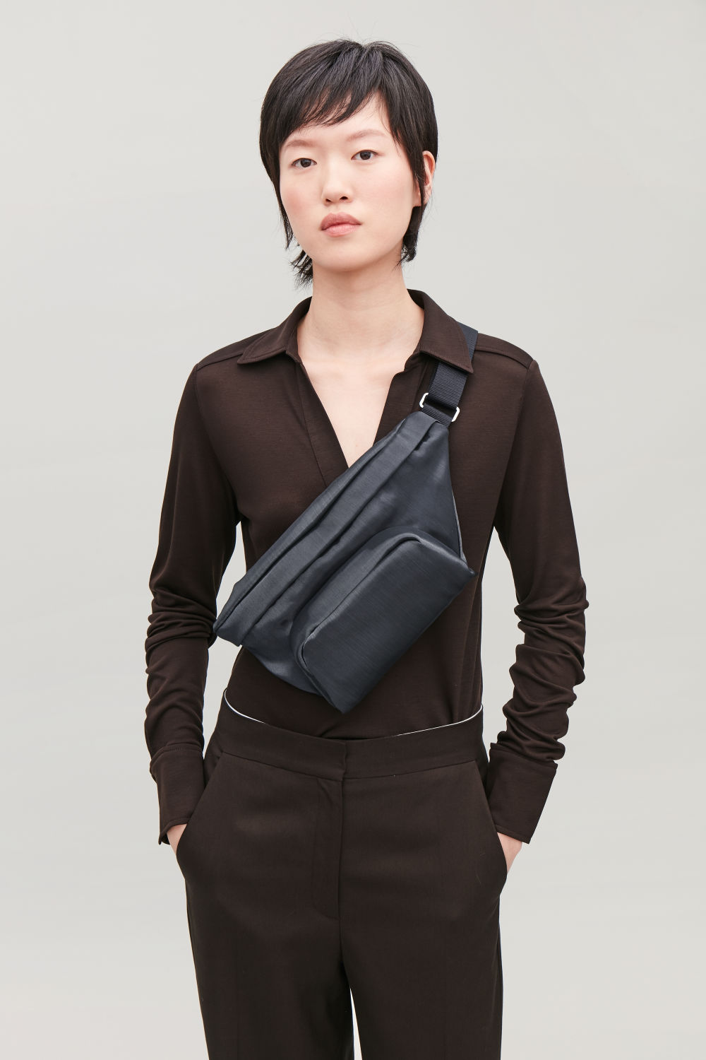 TECHNICAL CROSSBODY BELT BAG