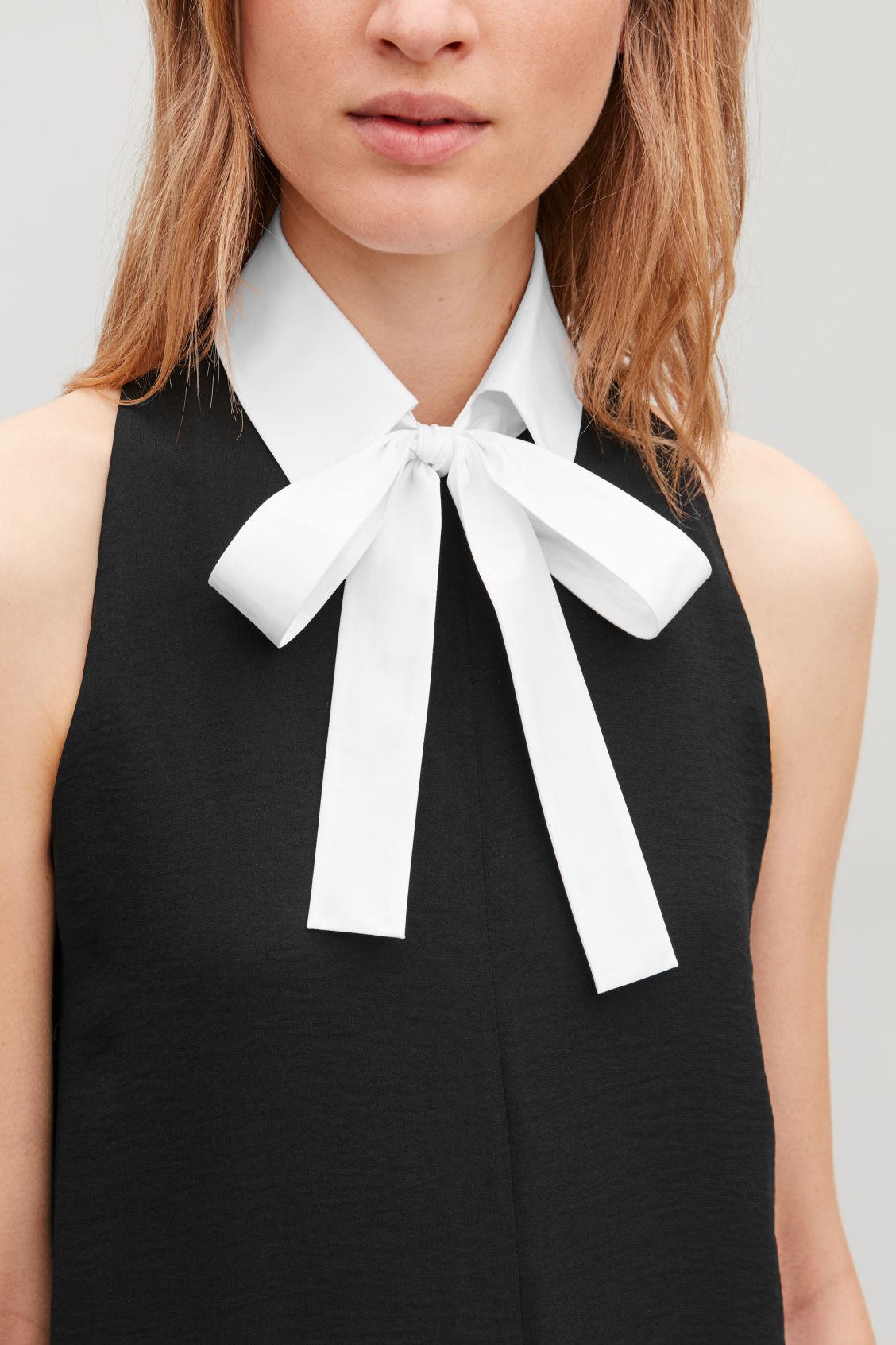 Detailed image of Cos cotton-poplin collar in white